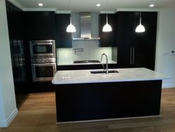 Modern Kitchen-Dark carbinets