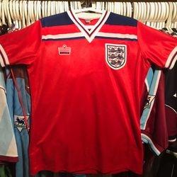 Alvin Martin 1982 away England shirt