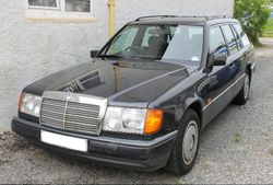 1992 Mercedes 200 estate