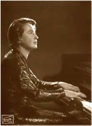 My Piano Teacher: Pianist Frieda Valenzi (Musikuniversität Wien