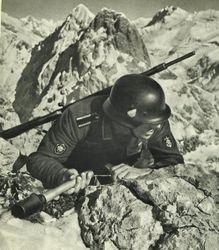 Gebirgsjäger, Sturm-Pioneer:
