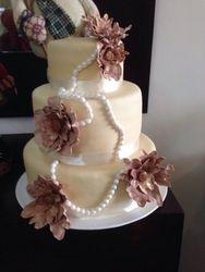 Vintage Pearl & Flower Cake