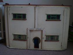 Art Deco House Handbuilt