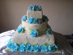 Blue and Ivory Wedding Cake (W016)