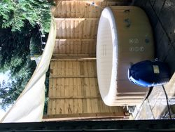 Sycamore Hot Tub