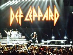 Dep Leppard ( Live Stage)