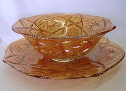 Whirling Star large bowl & chop plate - marigold