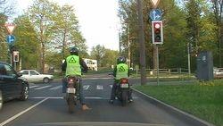 A  kategorija, motokursi1,divi motociklisti
