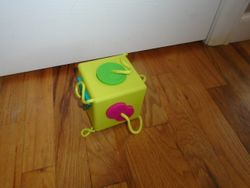 Oombee Shapes Cube - $10