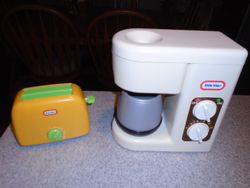 Little Tikes Vintage Coffee Maker and Toaster - $30