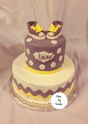 BabyShower Cake with Tennis Shoes