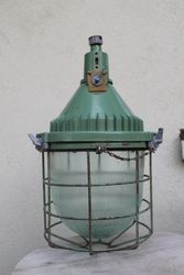 Pramoninio dizaino, loftinis sviestuvas, lempa su grotelemis. 4 vnt. Kaina po 62 Eur.