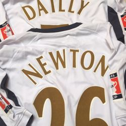 Shaun Newton and Christian Dailly´s 2006 FA Cup Final shirts.