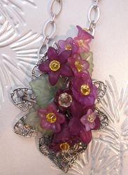 Lucite Flower Fillagree Necklace - Purple