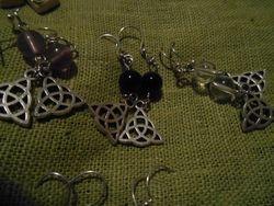 Triquetaörhängen/ Triqueta earrings
