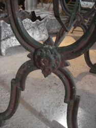 #15/207 Cast Iron Base Table detail