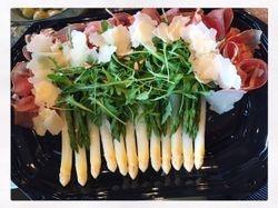 Carpaccio van rund met asperges