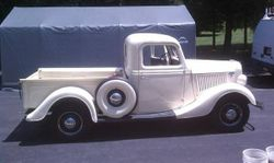 6.36 Ford pick-up