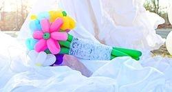80s Themed Bridal Shoot Balloon Flowers