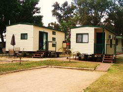 Ensuite Cabins 4 and 5