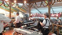 Woho & Kalendar Band Yokohama Oktoberfest 2011