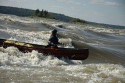 Gen canoe-surfing