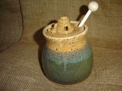 Mountain Meadows Honey Pot