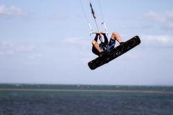 Headless kiteboarding in Tampa Bay
