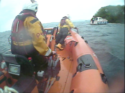 Lough Derg RNLI assist two people after 30ft cruiser runs aground