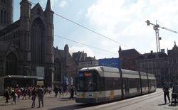 Siemens #6332 passing Sint-Niklaaskerk, towards Korenmarkt