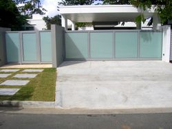 SLIDING GATE WITH MOTOR, TRANSLUCENT GLASS AND ALUMINIUM