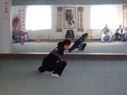 Geng Shou Ling practising