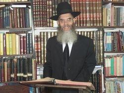 Rabbi Basner at LR