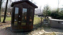 Sauna and hot tub
