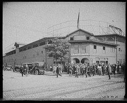 Crowd - 1910