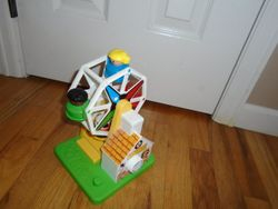 Fisher Price Little People Musical Ferris Wheel #2077 - $18