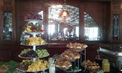 Proctor Farms brunch buffet
