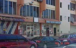 Condominio Radio Centro, Calle Bosque, cerca del Colegio (RUM) y el centro urbano de Mayagüez.