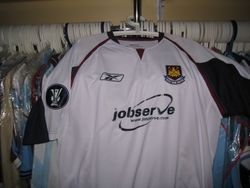 2006 UEFA Cup issued away shirt