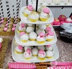 Cupcakes & Pop Cakes 30