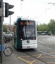 Variotram no. 432 arriving at the Hauptbahnhof.