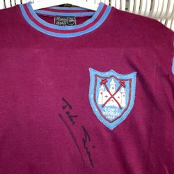 John Sissons worn and signed 1965 ECWC Final shirt.
