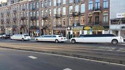 Met 3 limousine in Amsterdam op pad