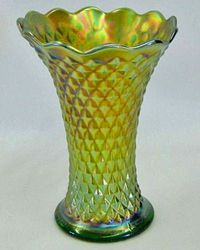 "Diamond Point 7"" squatty vase, green"