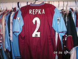 Tomas Repka worn 2003