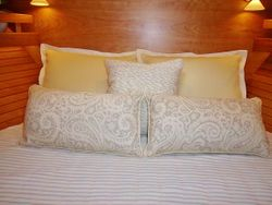 SABRE 48 GUEST STATEROOM PILLOWS