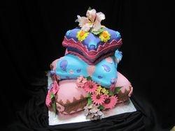 """Pillow cake """"B"""""""