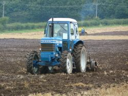 FORD 8200 & Heavy cultivator