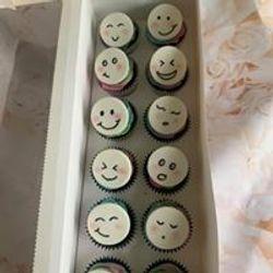 Happy Faces Cupcakes