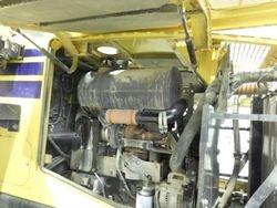 Komatsu WA320 Abgasanlage